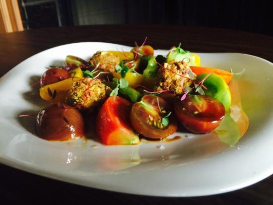 Artisan 179: Heirloom tomato salad