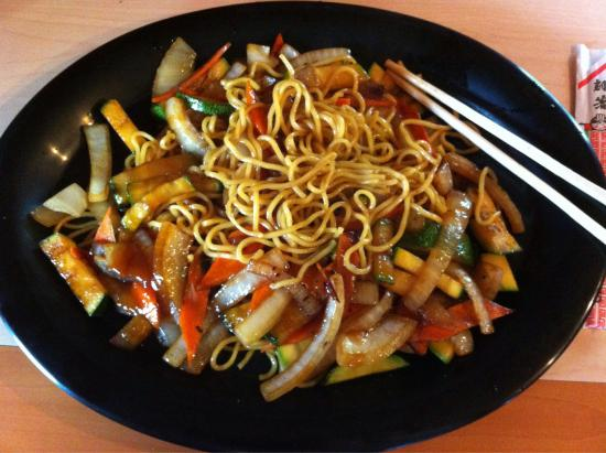 Japanese Kitchen: Vegetable yakisoba Yummy!