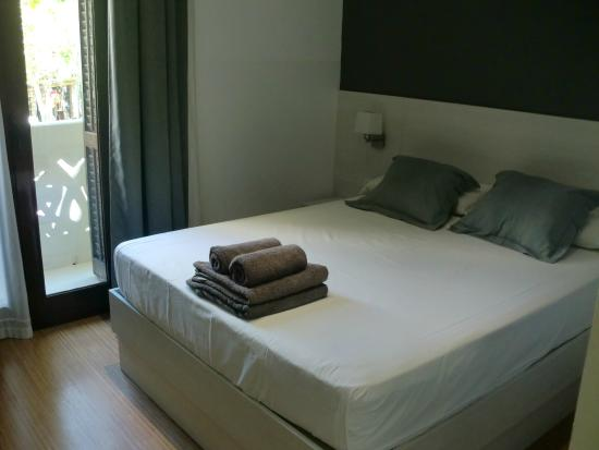 Hostalin Barcelona: letto