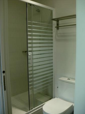 Hostalin Barcelona: la doccia