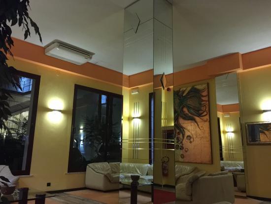 Hotel Corona: photo4.jpg