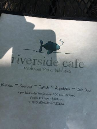 Riverside Cafe: Not bad prices for a resort area