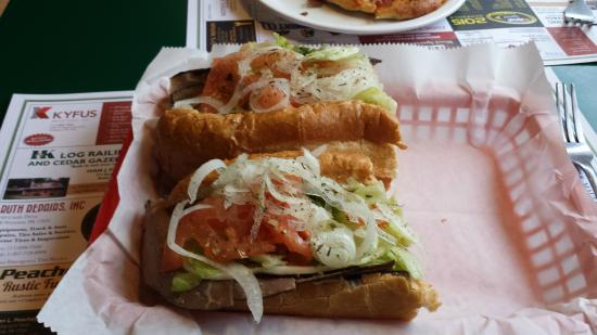 Specks Deli and Gourmet Pizza: roast beef hoagie