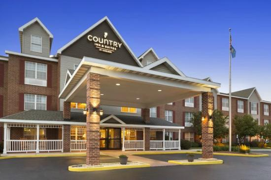 Country Inn & Suites By Carlson, Kenosha: Country Inn and Suites, Kenosha WI Welcomes you! Your home away from home.