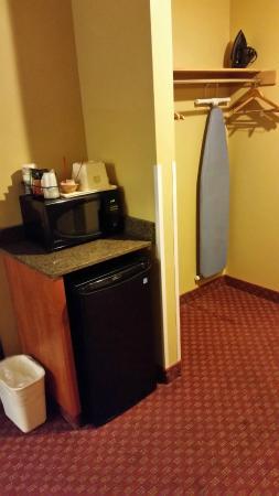 BEST WESTERN Newberg Inn: Refrig kept things nice and cold!
