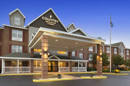 Country Inn & Suites By Carlson, Kenosha: Country Inn and Suites Welcomes you! Your home away from home.