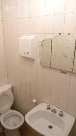 Hostel Empedrado: baño/ toilette