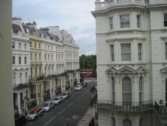 Kensington House Hotel: View from room!