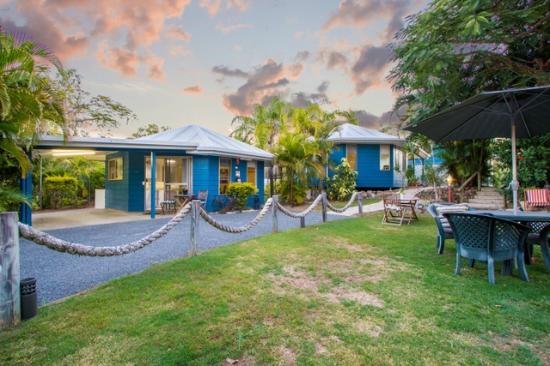 Boyne Island Motel & Villas