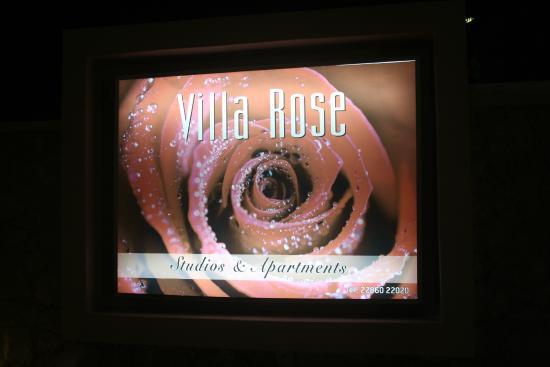 Villa Rose: Entrada do hotel