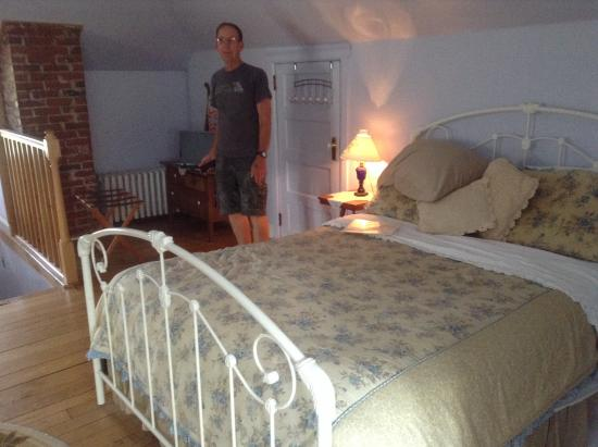 Locust Hill Inn, Cabin & Pub: Almost Heaven Room