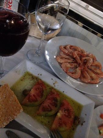 A3 - Casa Manolo: Gamba cocida, tomates aliñados y bacalao A3