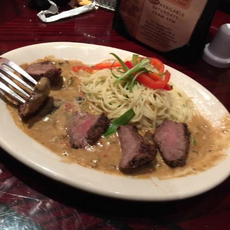 Copeland's of New Orleans : .Uma massa leve com carne leve e saborosa!