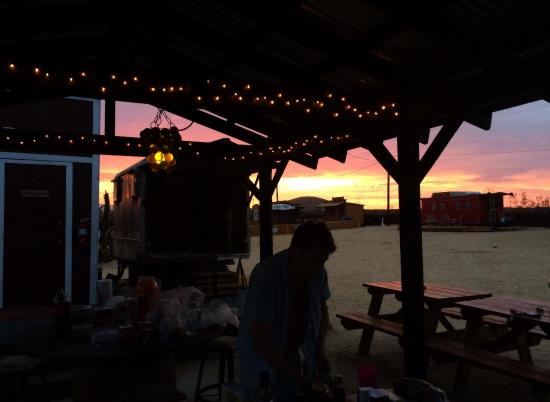 Hicksville Trailer Palace: Sunsets/preparing diner