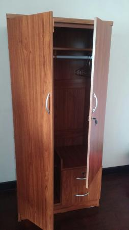 FUN-D Hostel: Spacious, bright and clean with a (flimsy) lockable wardrobe