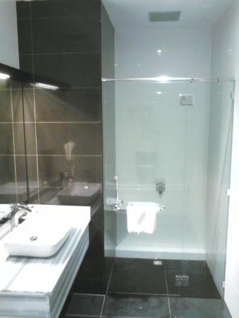 Muadzam Shah, Μαλαισία: separate shower