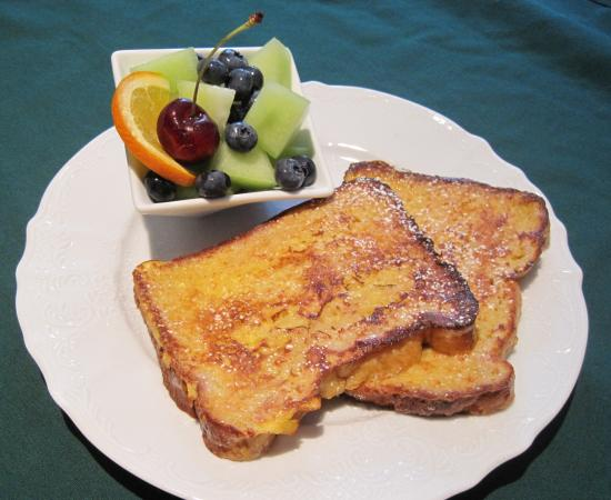 The Artful Lodger Bed and Breakfast: French Toast