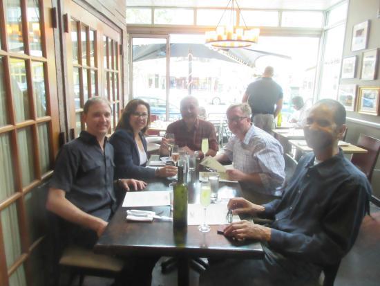 Cashion's Eat Place: Good place for conversation