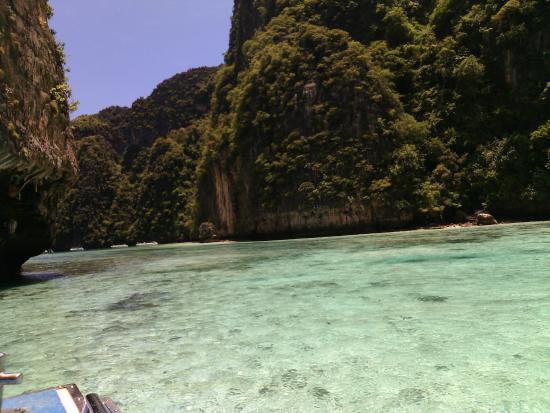 sebelum berangkat ke phi-phi island - Picture of Ko Phi Phi Le, Ko Phi Phi Do...