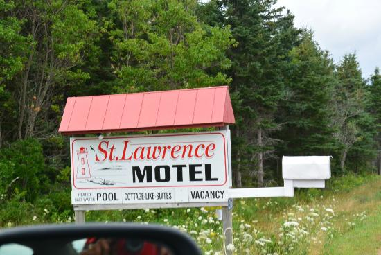 St. Lawrence Motel: Road sign