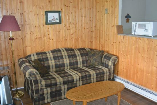 St. Lawrence Motel: Living area