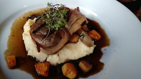 Miss Lizzies Cafe Restaurant : Great steak dish
