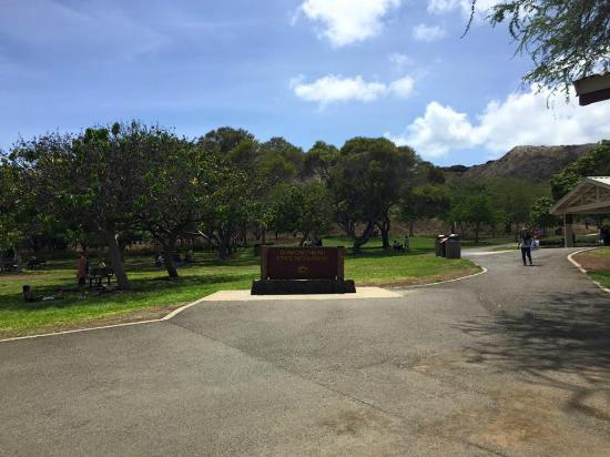 US Army Museum of Hawaii: The Park Outside Fort Derussey