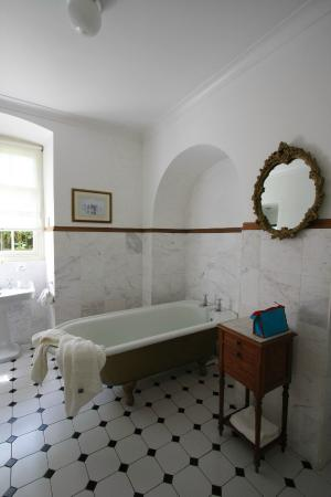 Lisdonagh Manor House: One of the 9 bathrooms