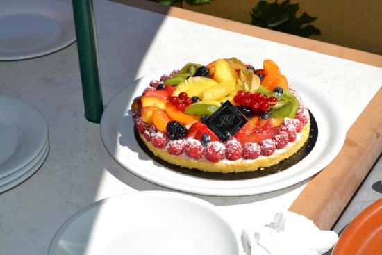 Revest-les-Roches, France : Dessert
