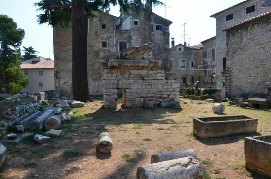Руины храма Нептуна