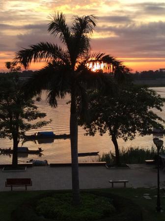 Riverside Suites: Sonnenaufgang 06.00 Uhr