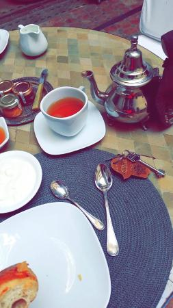 Riad Altair: Fresh moroccan tea with breakfast