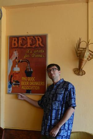 Pepper's Pizza & Grill : Плакат любителей пива