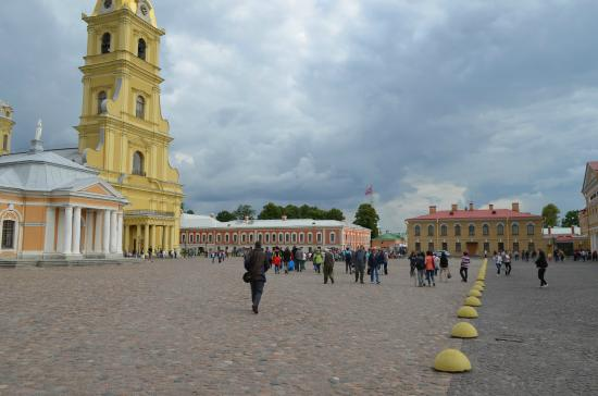 Peter-Paulus-festningen: The Courtyard of the Peter and Paul Fortress