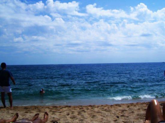 Hotel Garbi: spiaggia
