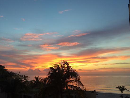 Emporio Cancun: photo2.jpg