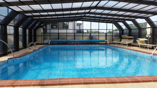 Servizi offerti piscina coperta foto di hotel mazzanti milano marittima tripadvisor - Hotel con piscina milano ...