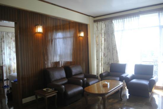 Myanmar Panda Hotel: มีห้องนั่งเล่น