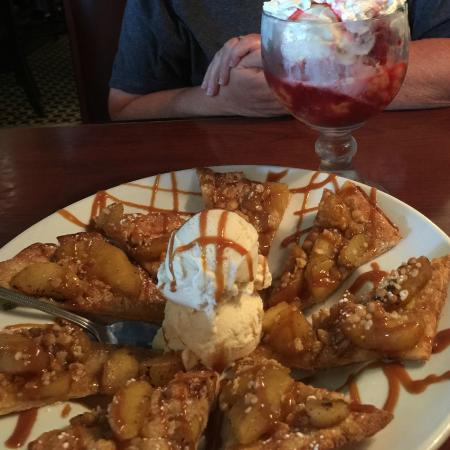 Jefferson City, TN: flat bread apple desert