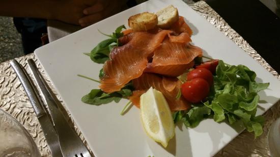 La Piazzetta : Salmone affumicato