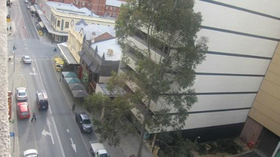 The Kings Perth Hotel: street view from hotel room