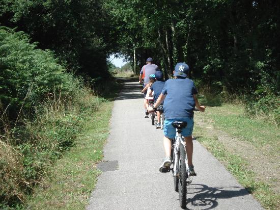 Nouvelle-Aquitaine, Frankreich: ballade en vélo le long de la voie verte