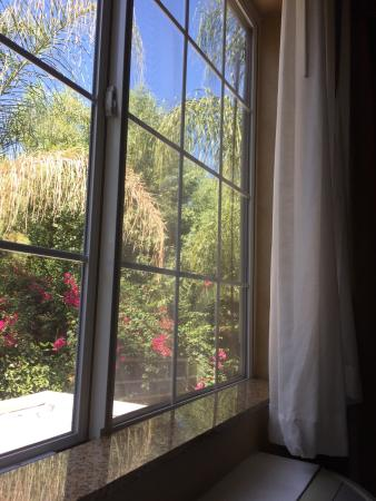 Holiday Inn Express Hotel & Suites Corona: photo0.jpg