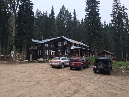 Beaverfoot Lodge: photo2.jpg