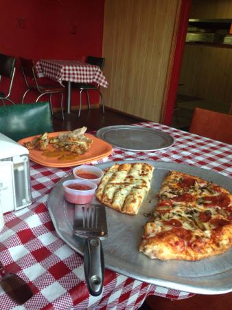 Don's Pizza: photo0.jpg