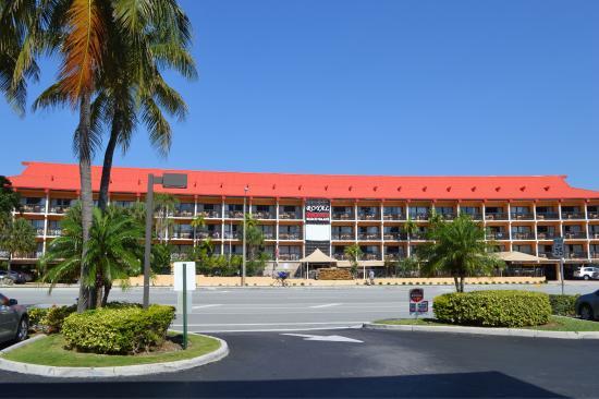 Royal Beach Palace Photo1 Jpg