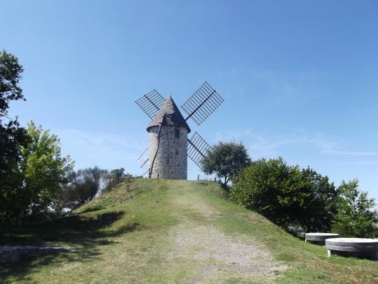 Coulx, France : Le moulin