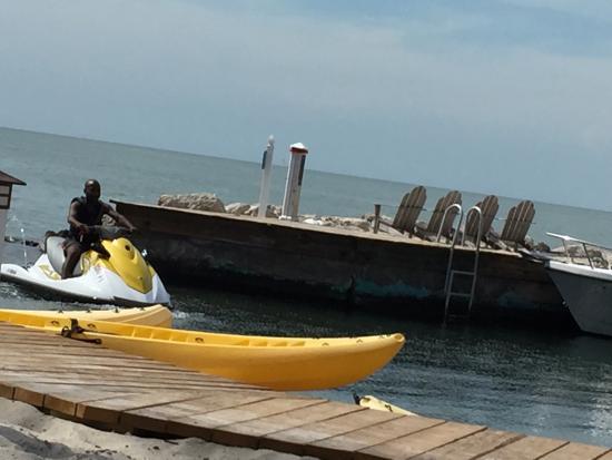 Tranquility Bay Beach House Resort: photo1.jpg