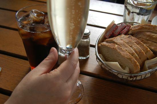 Cafe Skansen: Forfriskende proseco.