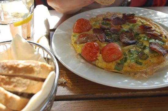 Cafe Skansen: Og kraftfull omelett.